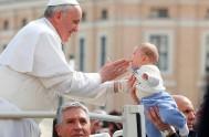 07/12/2016 – En la Audiencia General de hoy el Papa Franciscoinicióun nuevo ciclo de catequesis sobre la virtud de los pequeños, es decir,…