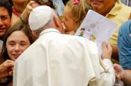 11/01/2017 – El Papa Francisco habló en la Audiencia General de hoy sobre los ídolos que los hombres suelen fabricarse creyendo que le…