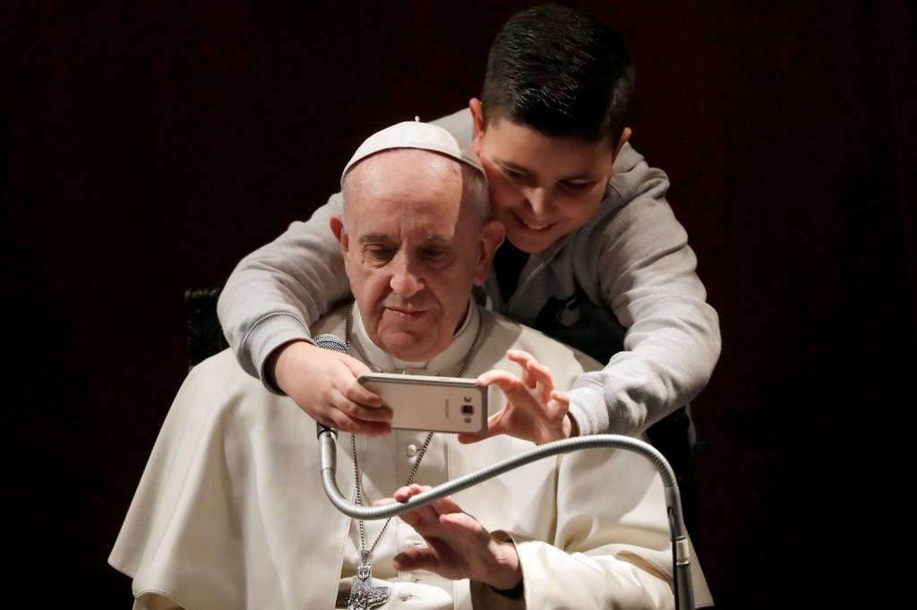 Papa Francisco selfie2