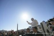 """01/05/2017- Radio María Argentina presenta una nueva edición de """"Francisco a Diario"""". En cada edición queremos compartir la misión del Papa Francisco en…"""