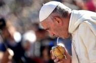 12/04/2017 –Durante la Audiencia general antes de la Pascua, el Papa preguntó: «¿Amo? ¿He aprendido a amar? ¿Aprendo todos los días a amar…