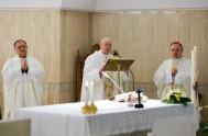 16/05/2017 – La paz verdadera no podemos fabricarla nosotros, es un don del Espíritu Santo. Esto dijoel Santo Padre en su homilía de…