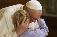 14/06/2017 –El Papa Francisco, en la Audiencia General de hoy, invitólos peregrinos reunidos en la Plaza de San pedro, y ante los enfermos…