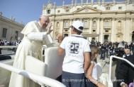 30/08/2017 – En la audiencia general que cada miércoles comparte Francisco con los peregrinos, el Papa continuó sus catequesis sobre la esperanza.…