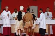 08/09/2017 – En el 3º día de la visita de Francisco en Colombia, el Papa se trasladó de Bogotá a Villavicencia donde celebró…