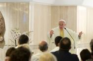 26/09/2017 – Durante su homilía en la misa deayer en Santa Marta, elPapa Franciscoelevó una invocación al Señor para que nos enseñe la…