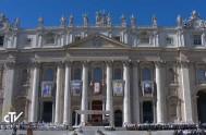 17/10/2017 – El domingo en una misa solemne en la Plaza San Pedro, el Papa Francisco canonizó a 35 nuevos santos.El Papaproclamó santos…