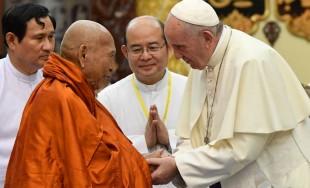 29/11/2017 – En medio de su viaje apostólico a Birmania y Bangladés, el papa Francisco se reunió…