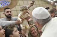 21/12/2017 – En la Audiencia general de hoy el papa Francisco destacó la proximidad de las celebraciones del Nacimiento del Salvador, invitando a…