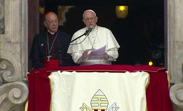 22/01/2018 - En la Plaza de Armas en Lima - Perú, el Papa Francisco rezó junto a miles de jóvenes la oración del Ángelus. El Santo Padre se dirigió a los jóvenes,…