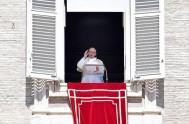 23/04/2018 –ElPapa Francisco rezó la oración mariana del Regina Coeli, desde la ventana del Palacio Apostólico.Esto fue después de ordenar a 16 nuevos…