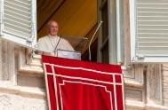 """16/04/2018 –Antesde rezar el Regina Coeli a la madre del cielo, el Papa Franciscohabló de """"la experiencia de Cristo Resucitado hecha por sus…"""