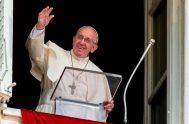 04/06/2018 – En la Solemnidad del Corpus Christi, el Papa Francisco rezó junto con los fieles presentes en la plaza San Pedro la…