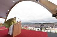 27/08/2018 – El Papa Francisco, en la misa de clausura del Encuentro Mundial de las Familias, celebrada en el Parque Fénix, Dublín, dijo…