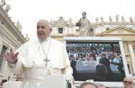 19/09/2018 – Hoy en la Audiencia General de cada miércoles, el Papa Francisco reflexionó sobre el cuarto mandamiento que invita: «Honra a…