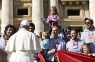 24/10/2018 – Este miércoles, a partir de las 10.00 de la mañana, el Papa ingresó en la Plaza de San Pedro a bordo…