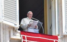 07/01/2019 – En el domingo de la Solemnidad de la Epifanía del Señor, el Santo Padre exhortó a no permitir…