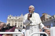 10/10/2018 – El Papa Francisco en la Audiencia General de este miércoles, continuando con su ciclo de catequesis dedicadas a los Mandamientos, dijo:…