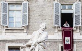 08/04/2019 – Durante el rezo del Ángelus desde el Palacio Apostólico del Vaticano en este V domingo de Cuaresma, el…