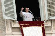 """22/04/2019 –El Papa Francisco afirmó que """"Jesús resucitado se manifiesta a todos los que lo invocan y lo aman"""". """"En Él también nosotros…"""