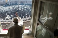 """20/05/2019 – El Papa Francisco afirmó, durante el rezo del Regina Coeli en la Plaza de San Pedro del Vaticano que """"la única…"""