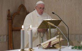 16/01/2020 –Durante la Misa celebrada este jueves 16 de enero en la Casa Santa Marta, el Papa Francisco invitó a…