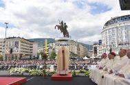 07/05/2019 – El Papa Francisco presidió una Misa celebrada en la Plaza Macedonia de Skopje, capital de Macedonia del Norte, donde el Santo…