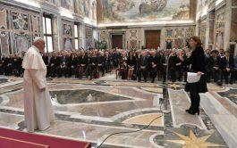 21/05/2019-El Papa Francisco se reunió con los miembros de la Asociación de la Stampa Estera, de la que forman parte…