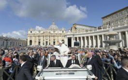 """22/05/2019 – El Papa Francisco concluyó el ciclo de sus catequesis dedicado al """"Padre Nuestro"""". Podemos decir, dijo el Papa,…"""