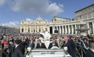 """22/05/2019 – El Papa Francisco concluyó el ciclo de sus catequesis dedicado al """"Padre Nuestro"""". Podemos decir, dijo el Papa, que la oración cristiana nace de la audacia de llamar a Dios…"""