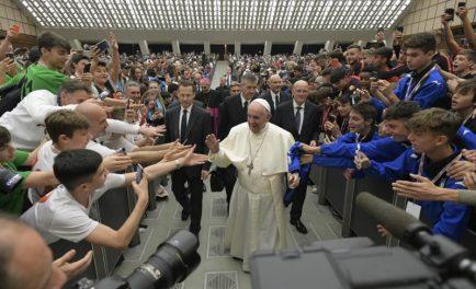 24/05/2019 – Durante un discurso ante miles de personas y con la presencia de reconocidos atletas y ex atletas, el Papa Francisco pidió cuidar el espíritu del deporte. Los dichos del Papa…
