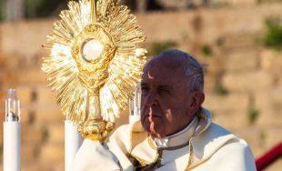 23/06/2019 –Al celebrar la Santa Misa en la Solemnidad de Corpus Christi en la Parroquia Santa María…