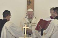 """17/06/2019 –Antes del rezo del Ángelus en la Solemnidad de la Santísima Trinidad, el Papa Francisco animó a """"caminar unidos y alegres en…"""