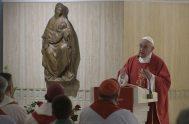 """11/06/2019 –Durante la Misa celebrada hoy en la Casa Santa Marta, el Papa Francisco recordó que """"la salvación no se compra"""" sino que…"""