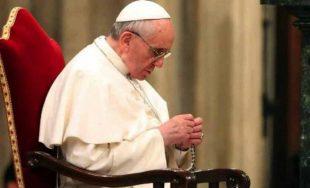 16/08/2019 – Antes del rezo mariano del Ángelus con motivo de la Solemnidad de la Asunción de María, el Papa Francisco recibió a una delegación de la Fundación Pontificia Ayuda a la…