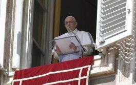 15/08/2019 –El Papa Francisco presidió hoy el rezo del Ángelus por la solemnidad de la Asunción de la Virgen María.…