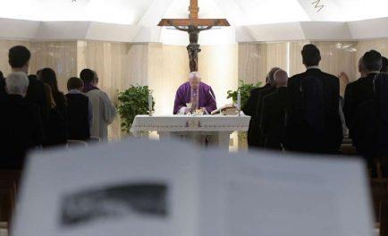 19/09/2019 –El Santo Padre, en su homilía en la Misa matutina celebrada en la Capilla de la Casa de Santa Marta, subrayó que cuando nos apropiamos del don, y lo centramos en…