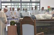 09/09/2019 –En su visita a Mauricio, el Papa Francisco visitó la tumba del beato Padre Jacques-Désiré Laval,cuya festividad se celebra hoy 9 de…