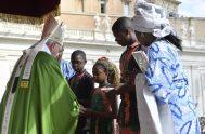 29/09/2019 –El Papa Francisco presidió este domingo 29 de septiembre en la Plaza de San Pedro del Vaticano la Misa con motivo de…
