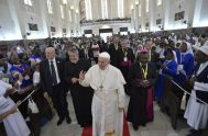 05/09/2019 – En el marco de la primera jornada de su visita pastoral al Mozambique, el Papa Francisco participó en un encuentro con…