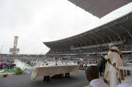 06/09/2019 – 60.000 fieles llenaron el Estadio Zimpeto de Maputo para participar de la Santa Misa presidida por el Papa Francisco, último evento…