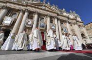 13/10/2019 –El Cardenal Newman ya es santo. San John Henry Newman fue inscrito en el libro de los santos en una multitudinaria Misa…