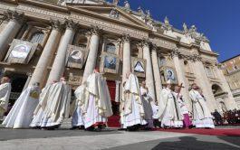 13/10/2019 –El Cardenal Newman ya es santo. San John Henry Newman fue inscrito en el libro de los santos en…