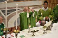 """20/10/2019 –El Papa Francisco animó a ser misioneros y a renunciar a las cosas materiales inútiles """"que empequeñecen el corazón"""" porque el secreto…"""