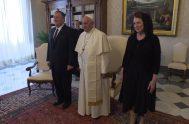 03/10/2019 –El papa Francisco recibió hoy en audiencia en el Vaticano al secretario de Estado norteamericano, Mike Pompeo. Tras la audiencia el vocero…