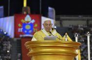 """21/11/2019 –El Papa Francisco destacó la importancia de abrir el corazón para que sea capaz de """"superar todos los adjetivos que siempre dividen"""".…"""