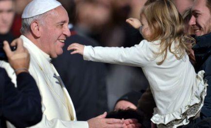 05/12/2019 –El Vaticano publicó este 5 de diciembre el video sobre las intenciones de oración del Papa Francisco para este mes de diciembre, en el que pide rezar porel futuro de los…