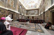 12/12/2019 – El PapaFrancisco se reunió con los miembros de la Congregación para las Causas de los Santos por el 50 aniversario de…