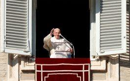 01/01/2020 –Antes de rezar el primer ángelus del año nuevo y tras haber celebrado en la Basílica vaticana la primera…
