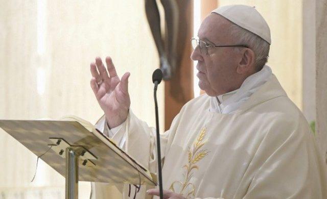 28/01/2020 – En su homilía de la misa celebrada en laCasa Santa Marta, el Papa Francisco nos invitó a no avergonzarse de expresar la alegría del encuentro con el Señor, no estar…